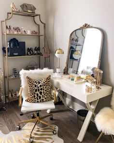 4 Tips For Organizing Your Closet - Haute Off The Rack - Room organization - My New Room, My Room, Sala Glam, New Orleans, Vanity Room, Vanity Decor, Desk To Vanity, Makeup Vanity In Bedroom, Vanity In Closet