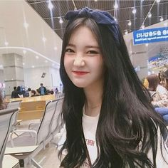 Find images and videos about girl, korean and ulzzang on We Heart It - the app to get lost in what you love. Ulzzang Girl Selca, Ulzzang Hair, Ulzzang Korean Girl, Ulzzang Makeup, Pretty Korean Girls, Cute Korean Girl, Beautiful Asian Girls, Korean Girl Photo, Girl Korea