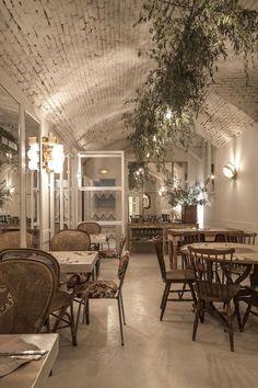 Dray Martina, el restaurante in Madrid Restaurant Vintage, Cafe Restaurant, Restaurant Design, Cafe Bar, Bar Madrid, Cafe Interior, Interior Design, Deco Cafe, Madrid Restaurants