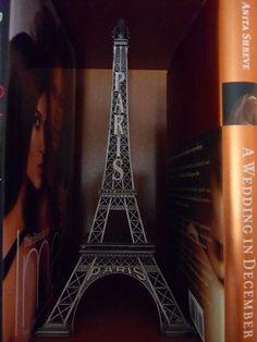 Eiffel Tower Decor.