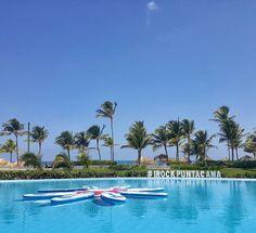O sol apareceu em Punta Cana pra gente curtir as 13 piscinas do Hard Rock Hotel Punta Cana na República Dominicana #NerdsEmPuntaCana #iRockPuntaCana #ThisIsHardRock #iRocklatam #hardrockpuntacana #NerdsNoHardRock