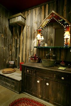 (I like everything except the toilet. Kay) How crazy is this rustic bathroom. Galvanized bucket for sink, reclaimed wood, and a toilet built in to look like an outhouse. House Bathroom, Home Goods Decor, House, Rustic Living, Amazing Bathrooms, Home, Rustic Bath, Log Home Bathrooms, Outhouse Bathroom