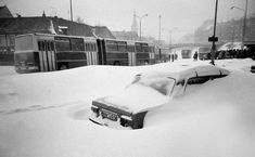 Kalamita z 1987 ochromila Bratislavu. Bratislava, Good Old Times, Steam Locomotive, Arches, Keds, Old Photos, Nostalgia, Snow, Retro