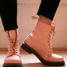 Pale Pink / Pastel / Pascal / Light / Baby Pink 1460 8 Eye Dr Martens