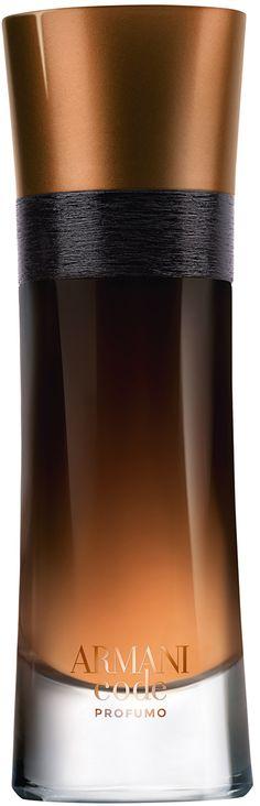 Giorgio Armani Code Homme Profumo Eau De Parfum Spray is een ode aan de moderne veroveraar. Een eau de parfum met diepere lagen.Groene appel en mandarijn als mysterieuse eerste blik. Lavendel en oranjebloesem leiden naar een verleidende eerste kus. Amber en tonkaboon exploderen uiteindelijk vurig tijdens de eerste nacht.