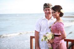 Aiun in a pink kebaya at Bayu Gita Bali. What to Wear to a Bali Wedding. www.villabayugita.com