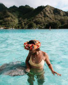 Best Tropical Travel Destinations: Maldives, Tahiti, Fiji - Lisa Homsy