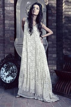 pakistani fashion: I love this dress! It is time for me to learn how to crochet laaace.
