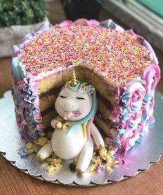 Frosting Recipes, Buttercream Frosting, Cake Recipes, Fat Unicorn, Beautiful Birthday Cakes, Birthday Cake Girls, Unicorn Birthday Cakes, Unicorn Rainbow Cake, Unicorn Cakes