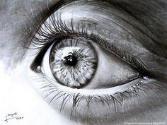 realistic pencil drawing eyes