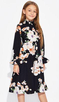 Preteen Girls Fashion, Teenage Girl Outfits, Girls Fashion Clothes, Fashion Outfits, Pink Flower Girl Dresses, Little Girl Dresses, Girls Dresses, Girls Frock Design, Kids Frocks Design