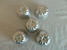 Vintage Aluminum Mini Jello Molds Lot Of 5 Cakes Tarts Swirl Design