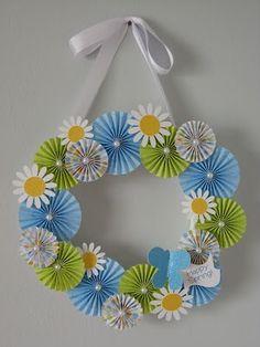 Accordion Flower Wreath