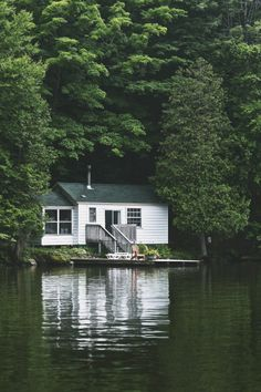 lostinamerica:  Add a kayak, and that's my dream home.