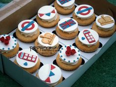 #Peppermint British Themed Cupcakes Peppermint Cake, Themed Cupcakes, British, Birthday Parties, England, London, Party, Desserts, Food