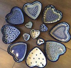 heart-shaped bowls. Bunzlau Castle || Collectors #polishpottery