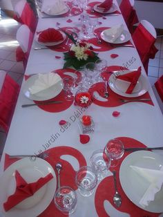 Red and White Table Decorations Blessed Valentine& Day is considered the same by using my favorite dates to share . Cabin Wedding, Red Wedding, Wedding Reception, Diy Bouquet, Decoration Table, Wedding Accessories, Red And White, Wedding Decorations, Table Settings