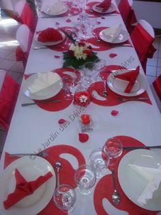 Décoration table en rouge et blanc
