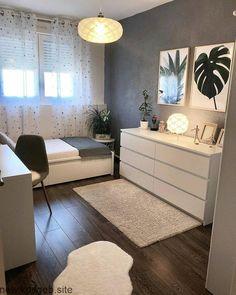 45 Minimalist bedroom decoration ideas that are comfortable … – Bedroom Inspirations Room Ideas Bedroom, Small Room Bedroom, Cozy Bedroom, Bedroom Furniture, Small Bedroom Ideas For Teens, Master Bedroom, Small Bedroom Designs, Scandi Bedroom, Girls Bedroom