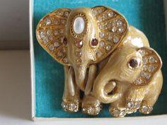 ST+JOHN+Mother&Baby+Elephant+Pin+Brooch+Gold+Enamel+Swarovski+Crystal+Detail+EUC+#StJohnKnits