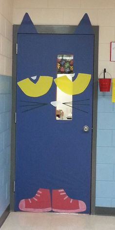 Pete The Cat door...door decorating contest - I Love to Read month! We could decorate our entrance way with the terms theme :)
