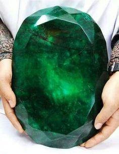 World's biggest emerald!