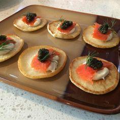 Blinis Recipes, Pancake Recipe Allrecipes, Pastry Recipes, Cooking Recipes, Healthy Recipes, Crepes, Smoked Salmon Appetizer, Caviar Recipes, Birthday Lunch