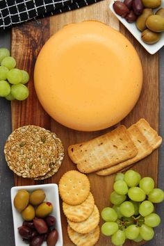 Smoky red pepper vegan cheddar cheese. Firm and sliceable and totally delicious on crackers or sandwiches or grated on pizza.#vegan #dairyfree   lovingitvegan.com Homemade Vegan Cheese Recipe, Vegan Cashew Cheese Sauce, Best Vegan Cheese, Vegan Cream Cheese, Vegetarian Cheese, Cheddar Cheese Recipes, Vegan Cheese Recipes, Best Vegan Recipes, Vegan Foods