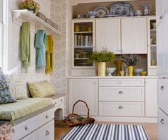 I don't need a mudroom in phoenix, but I could sure use the storage!