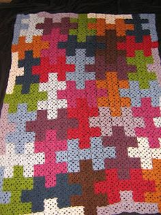 Puzzles anyone??? This is #crochet afghan is entirely made from granny squares. (I would use rectangular grannies to make this.)