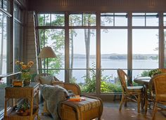 Lakefront Vacation home | TMS Architects