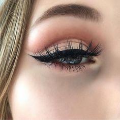 Gorgeous eye makeup cut crease