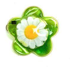 90's Jelly Daisy Coin Purse Keychain Mini Pouch (€9,97) ❤ liked on Polyvore featuring bags, mini coin purse, coin purses, green bags, jelly bag and fold-over crossbody bags
