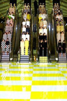 escalator finale at LOUIS VUITTON s/s 2013