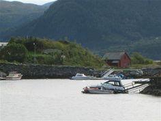 Lokale sagn - hjogro.simplesite.com Sagn om Spellhaugsgossin i Spellhaugen, Flatøya,
