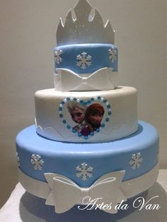 How to make fake EVA cake - Step by step Bolo Frozen, Frozen Cake, Frozen Theme Party, Frozen Birthday Party, Birthday Cake, Birthday Parties, Beautiful Cakes, Amazing Cakes, Bolo Artificial