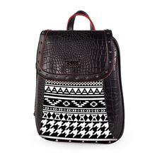 Mochila de imitación a piel con estampado en motivos étnicos. Trending Topics, Fashion Backpack, Backpacks, Print Fabrics, Dupes, Sacks, Boots, Fur, Trends