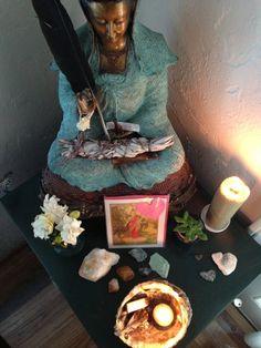 Little Altars Everywhere — Blog post by Kristina Wingeier | Unfolding the Self