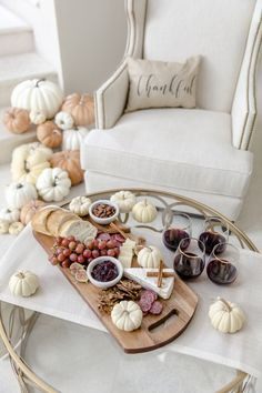 Cinnamon Sticks, Figs, and Mini Pumpkins make for the perfect addition to your Thanksgiving Cheese Board ✨✨✨ . Charcuterie Recipes, Charcuterie And Cheese Board, Food Platters, Cheese Platters, Cheese Platter Board, Wooden Cheese Board, Cheese Boards, Fashionable Hostess, Mini Pumpkins