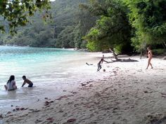 Playing in paradise with the president's village kids #GVISeychelles