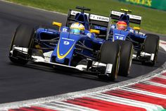 Sauber team mates battling it out during the Mexican Grand Prix. Marcus Ericsson #9, and Felipe Nasr #12.