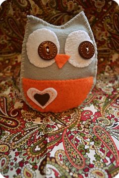 Items similar to baby stuffed felt owl on Etsy Felt Owls, Felt Animals, Dac Diy, Fabric Crafts, Sewing Crafts, Craft Projects, Sewing Projects, Owl Always Love You, Owl Crafts