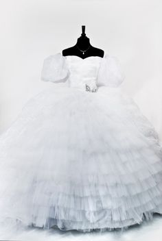 Custom Giselle Enchanted Dress Gown by BbeautyDesigns on Etsy Disney Princess Dresses, Disney Dresses, Disney Outfits, Giselle Enchanted, Enchanted Movie, Disney Enchanted, Beautiful Gowns, Beautiful Outfits, Bridal Gowns