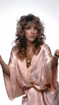 I adore Stevie Nicks, Bob Dylan, The Beatles, cats, and old Hollywood movies. Beautiful Voice, Most Beautiful Women, Beautiful People, Emerson, Stephanie Lynn, Stevie Nicks Fleetwood Mac, Aerosmith, Love Her Style, American Singers