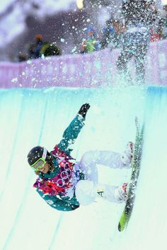 Torah Bright competes in the women's halfpipe at the 2014 Sochi Olympics.
