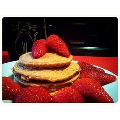Hotcakes de Zanahoria - 4 claras- 30gr de avena- 1 cucharadita de semillas de lino (opcional)- 1 cucharadita de semillas de chia (opcional)- Zanahoria cruda rallada- Canela al gusto- 1 sobre de SteviaBatir todo y a la sartén French Toast, Healthy Recipes, Cooking, Breakfast, Quinoa, Bridesmaid Dresses, Workout, Food, Pancakes