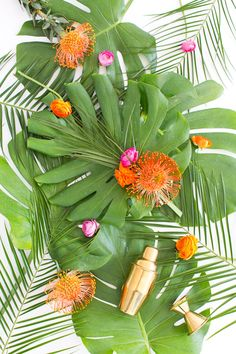 A Tropical DIY Floral Bar Cart Swag (+ Our DIY event in Dallas!) | Sugar & Cloth