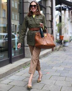 Khakis Outfit, Hijab Outfit, Military Looks, Military Jacket, Sac Birkin Hermes, Fashion Now, Womens Fashion, Beige Pants, European Fashion
