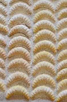 arra kell ügyelni, hogy körülbelül percenként vegyük ki a mikróból, keverjük Hungarian Desserts, Hungarian Cake, Hungarian Recipes, Hungarian Food, Austro Hungarian, Xmas Desserts, Sweet Desserts, Sweet Recipes, Cake Recipes