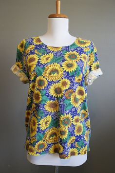 Sunflower Top Vintage Tshirt 1990s Shirt by InTheHammockVintage, $20.00
